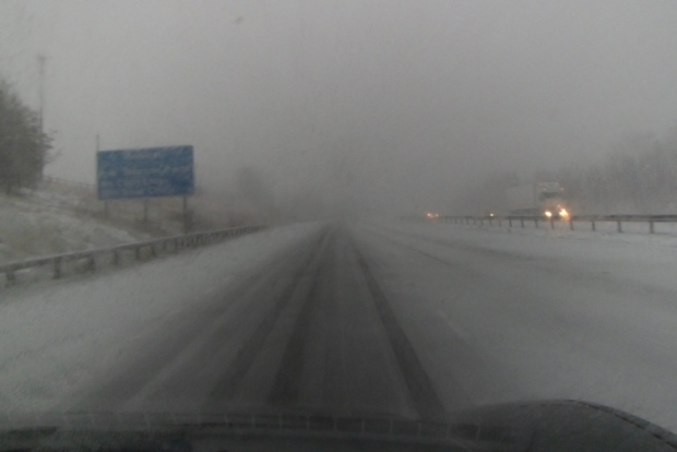 blizzard-on-motorway